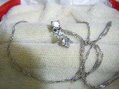 現在・過去・未来・トリロジー・ダイヤモンドネックレス0.5ct