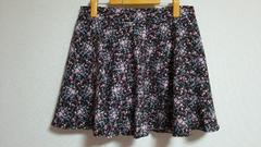 新品:サイズ4L:コゲ茶色×花柄で外はスカート、中はパンツ