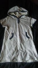 ★美品Tシャツワンピフード付き110〜★