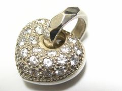 フォリ.フォリ.丸々可愛い立体デザイン人気のCZダイヤパヴェハートペンダント美品
