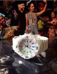海外希少CASIOカシオレディースおしゃれ腕時計カラフルホワイト