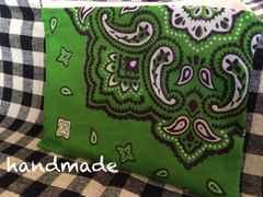 ハンドメイド緑×紺色バンダナ柄ポーチコスメサニタリー
