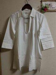 LL☆白Uネック裾スカラップ七分袖シャツ