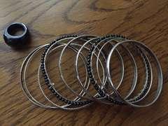 新品☆H&Mブレスレットブラック系指輪付き