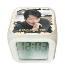 クォン・サンウ韓国製カラーチェンジ アラーム 光デジタルキューブ置時計01/クォンサンウ