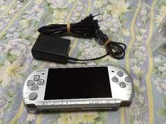 PSP3000(�V���o�[)�{��&�[�d��̂�