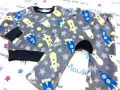 男の子用フワフワパジャマサイズ90�p星×ロケット柄