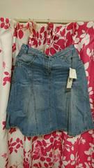 デニムスカートサイズ42新品タグ付きシワあり。