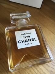 シャネル本物 N°19 パルファム(香水)28ml 残量7〜8割