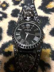 クロムハーツ好きに スカル バングルタイプ腕時計