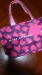 MARC BY MARC JACOBS Bag in bag チャーム付