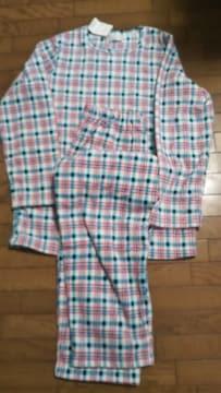 商品の定価5900円のパジャマです。