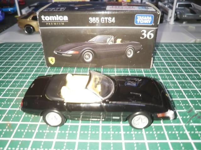 トミカのフェラーリ365GTS4 < ホビーの