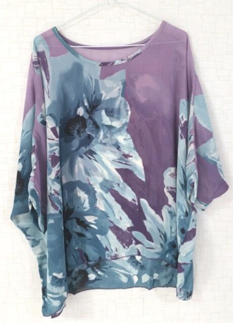 新品[7945]4L〜6L(大きいサイズ)パープルX柄シフォンドルマンシャツ < 女性ファッションの