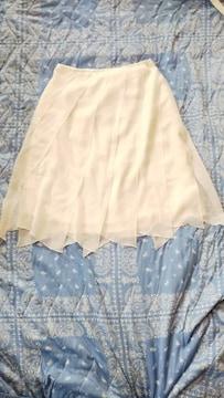 ☆ホワイト☆ヒラヒラスカート