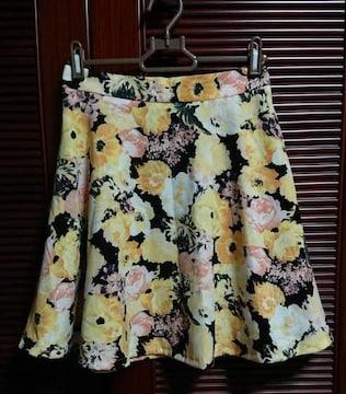 CECIL McBEE花柄フレアスカート