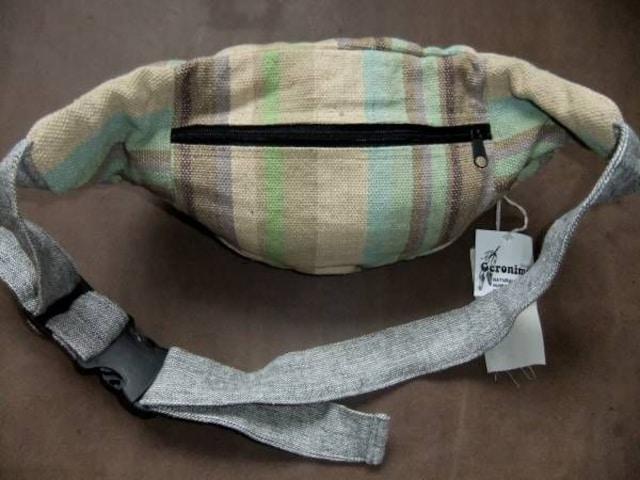 ラスト1 希少 ネパール ハンドメイド ボディ & ウエストバッグ < 男性ファッションの