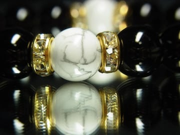 健康運アップ!!!ホワイトターコイズ×ブラックオニキス数珠ブレスレット