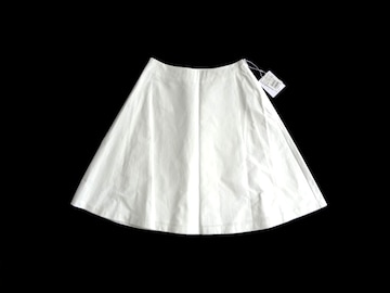 新品 定価10800円 プチローブ  白 膝丈 フレア スカート