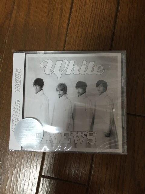 新品未開封 NEWS White 初回盤 CD+DVD 2枚組  < タレントグッズの