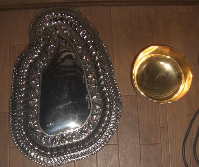 西洋アンティーク風豪華な金属製カップ&トレーです。 < ホビーの