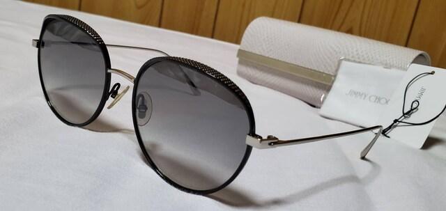 正規レア ジミーチュウ ティアドロップ スパイクスタッズメタルサングラス 黒×エンブレムロゴ  < ブランドの