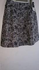 ☆新品タグ付☆ドット柄膝丈スカート♪Lブラック*定価2990円