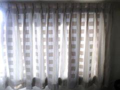 カーテン  遮光付き。