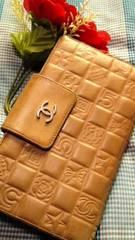 鑑定済必見セレブ系CHANEL人気のアイコン長財布