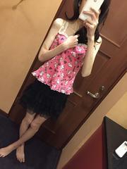 ミニ丈のスカート・フリル・黒