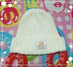 ワールド系列☆ホワイトニット帽子♪定価2〜3千円