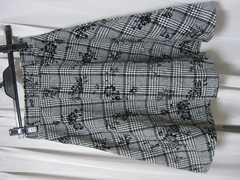♪INGNI イング♪黒×白スカートM裏地付き刺繍