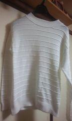 ブランドGU(ジーユー)ニットセーター《白色》L