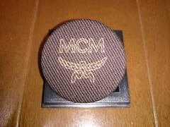 MCM ヴィンテージビンテージ 缶バッチバッジ ブラウンゴールド