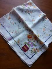 新品♪KENZOケンゾー・レディースハンカチ綺麗な花柄♪美品・定形郵便可