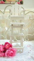 ナチュラル飾り椅子