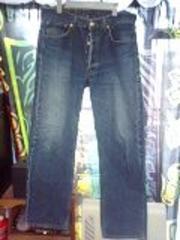 使えるリーバイス501色落ちジーンズ