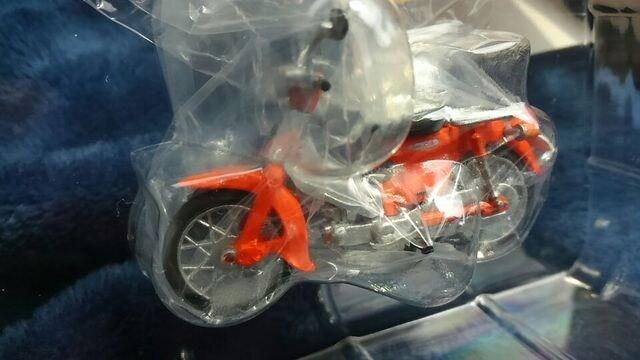 1/32 ホンダ スーパーカブ コレクション オレンジカラー カスタム仕様 未使用 新品 限定 < ホビーの