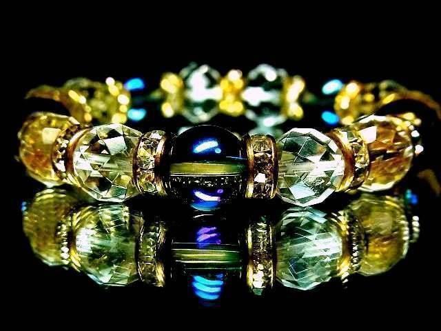 煌びやか天然石アクアオーラブルー・64面カット水晶AAA豪華絢爛  < 女性アクセサリー/時計の