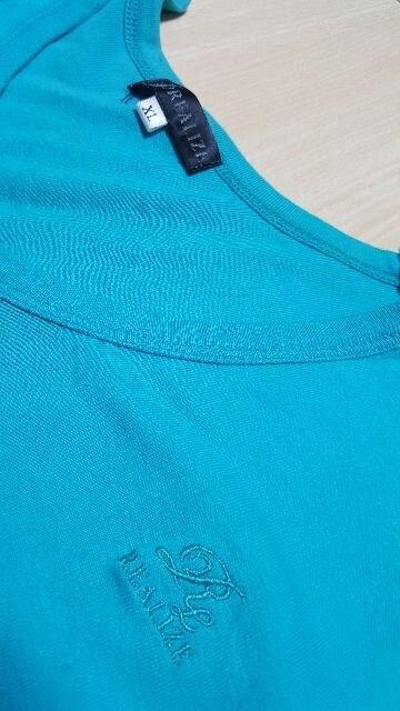 ターコイズブルー★Vネック★Tシャツ〜XL〜未着用品 < 男性ファッションの