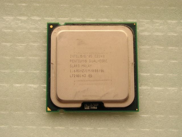 Intel Pentium E2140 1.6 Ghz 1.60GHZ//1M//800 SLA93 Socket 775