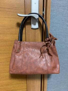 ちょっとしたお出掛けにピッタリなハンドバッグ