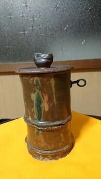 伊賀焼→筍形→鉄錆釉〜自然胡麻灰〜蓋付き→壁掛壺
