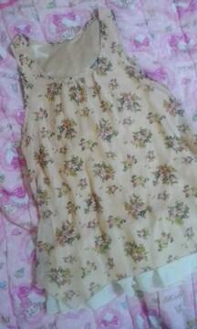 シネマクラブ裾まわりフリルシフォン素材花柄チュニック