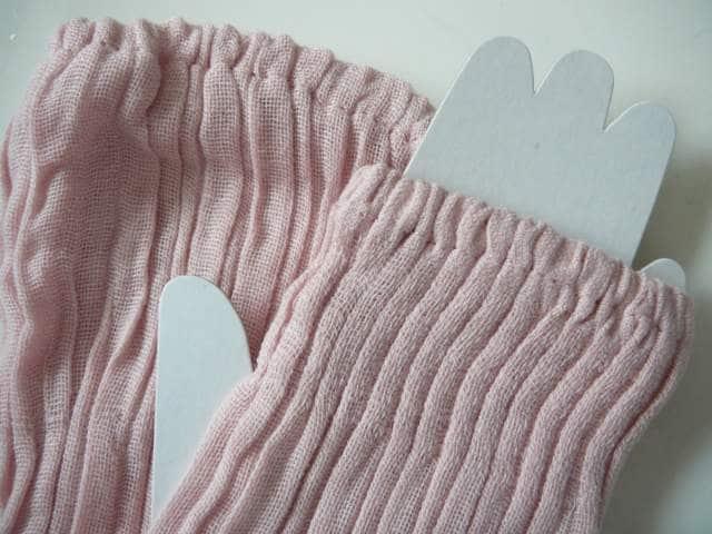 UVカットロング丈手袋ピンク < 女性ファッションの