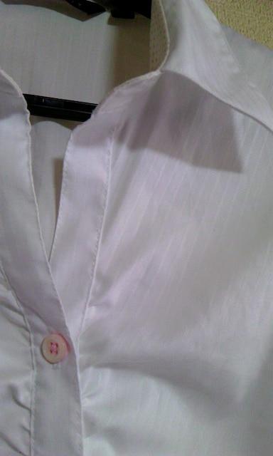 白シャツブラウス7 < 女性ファッションの