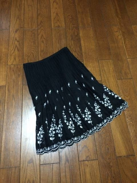 【美品即決】専門店◆Black&刺繍◆上質シフォンスカート  < 女性ファッションの