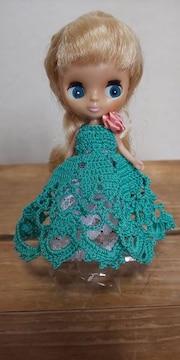 プチブライスエメラルドグリーンのレース編みドレス