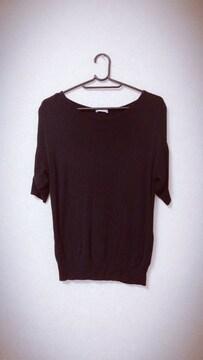 新品 シンプル黒半袖ニット