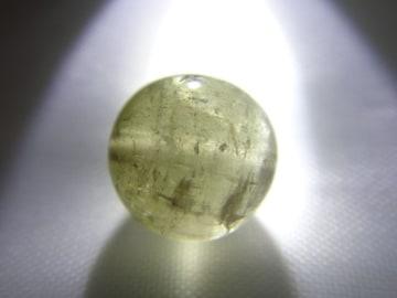 天然石 イエローグリーントルマリン 約9.2�o玉 P090